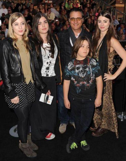اندی گارسیا و دختراناش دنیلا، الساندرا، اندرس و پسرش دامنیک