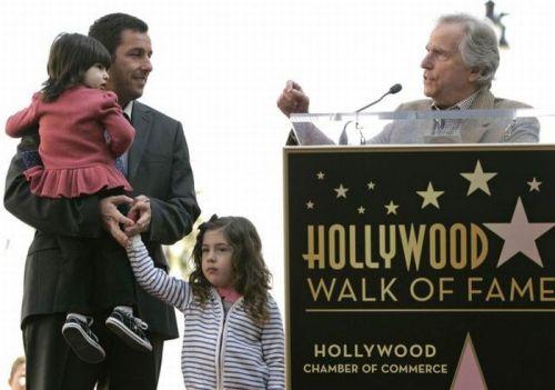 آدام سندلر و دختراناش سانی مدلاین و سیدی مدیسن