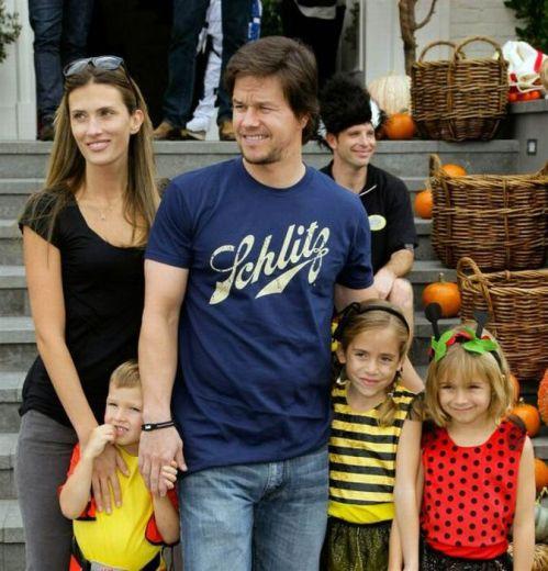 مارک والبرگ و دختراناش الا و گریس و پسراناش مایکل و برندن