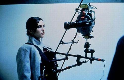مرثیهای برای یک رویا، جنیفر کانلی برای صحنههای فیلمبرداری آماده میشود